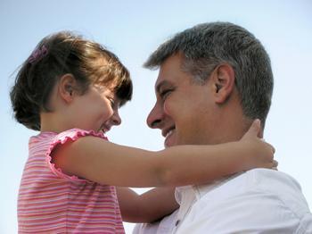 Дочь увидела как родители целуются онлайн