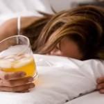 Алкоголь против бессонницы: стоит ли?