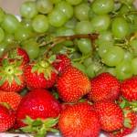 ягоды винограда и клубники С БЕРЕЗЫ!
