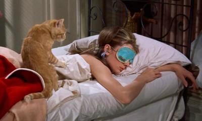Зачем спать в маске?